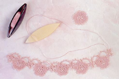 Learn how to make this delicate #lace edging!