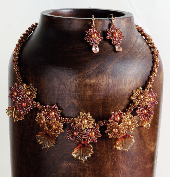 Learn how to make a beaded necklace in this FREE guide on glass beads and lampworked bead making.