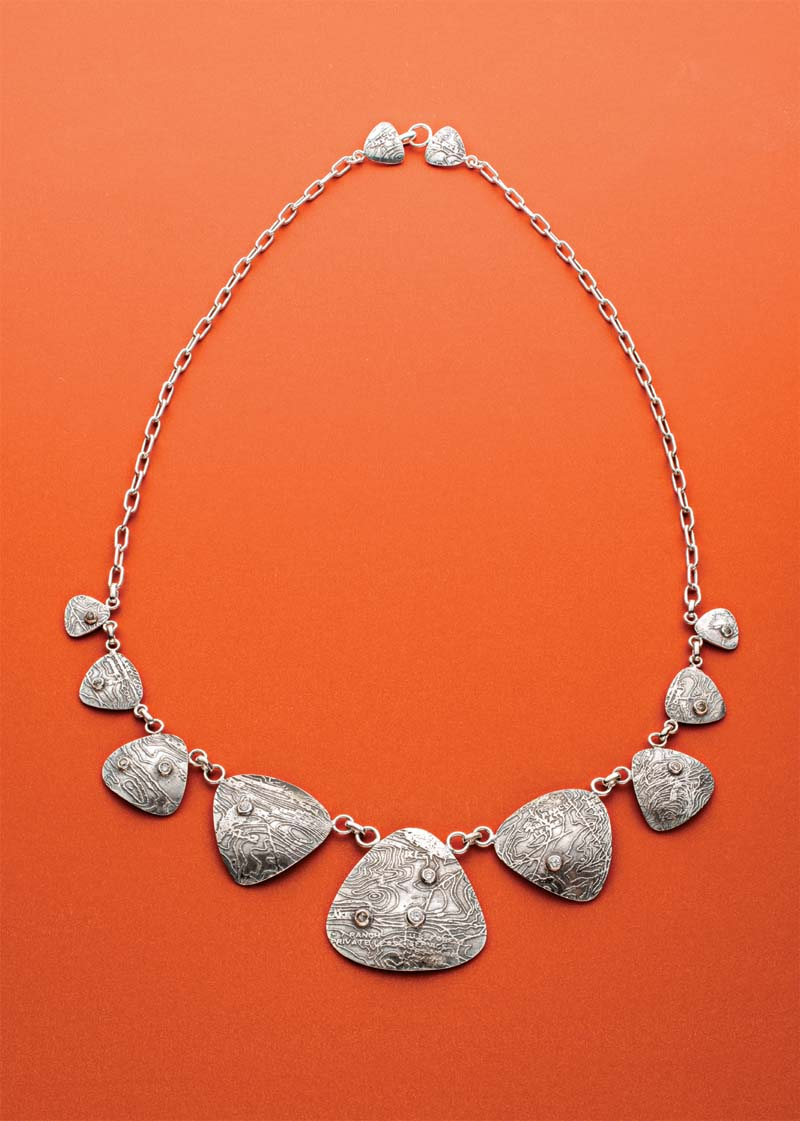 See how Betsy Lehndorff created this diamond and silver necklace; photo: Jim Lawson