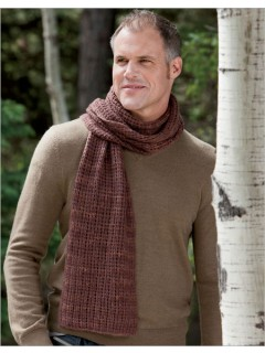 Cashmere and a simple reversible stitch pattern combine in the unisex LYLE MUFFLER.