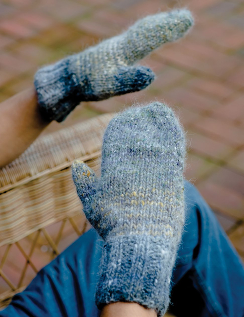 Magic loop knitting mittens