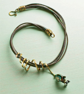 Make this rustic leather and bronze choker in this free eBook on leather jewelry making projects.