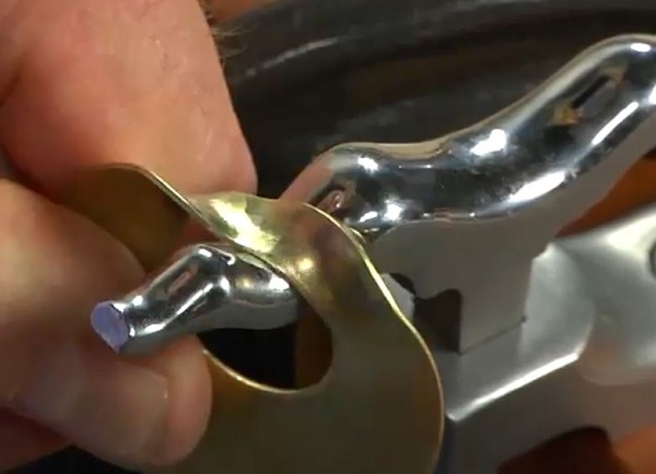 creating dimension in metal, metalsmithing tips from Bill Fretz
