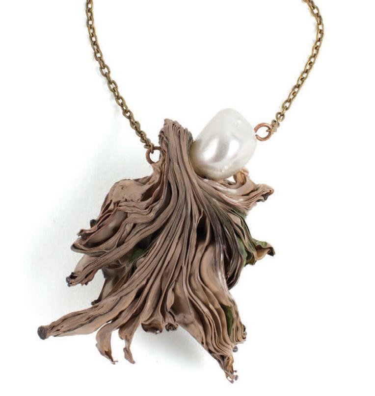 DIY pendant mixed-media jewelry