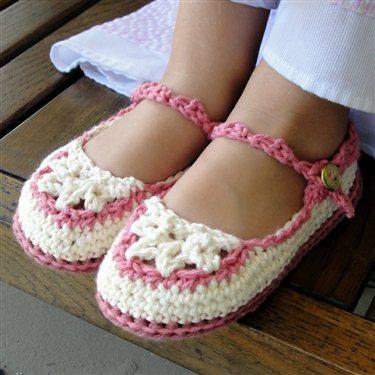 Toddler Mary Jane Slippers Crochet Pattern Interweave