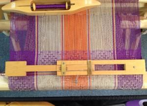 moving-temple-weaving-loom