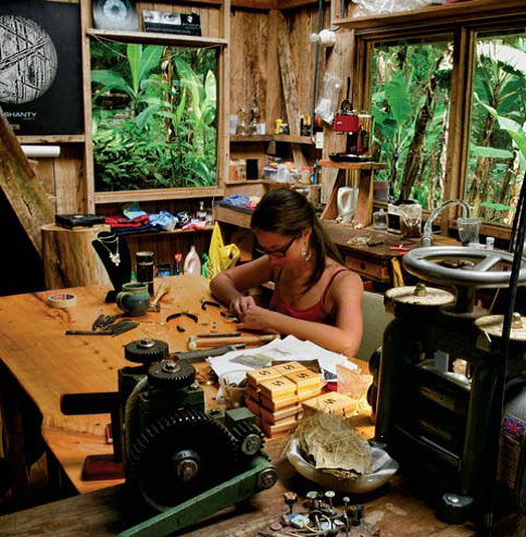 Marie-Chantal Nadeau was interviewed from her Costa Rican cloud forest perch, May/June 2017 Lapidary Journal Jewelry Artist; photo: Terri Haag