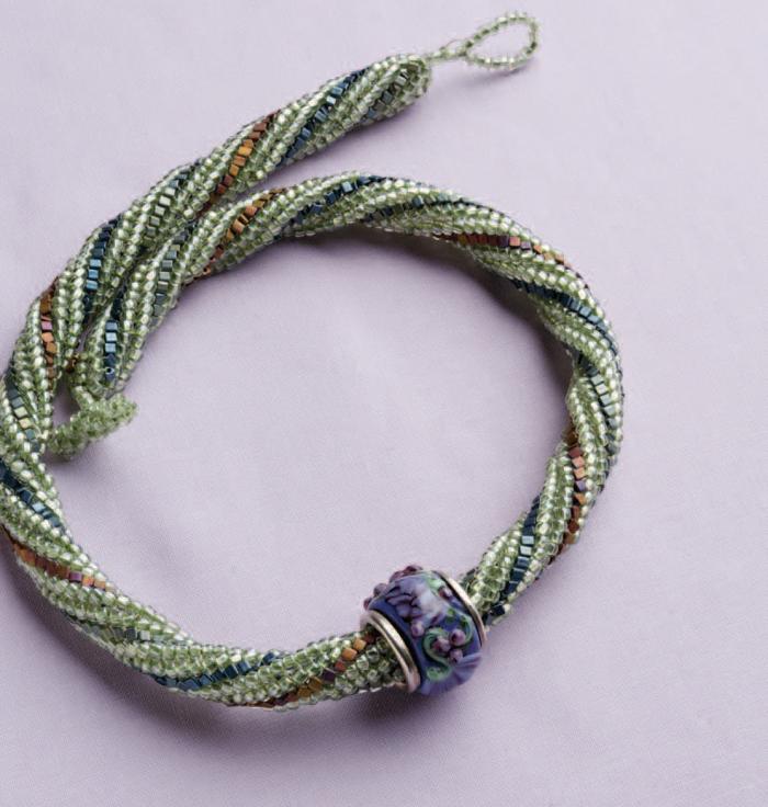 Free Ndebele stitch necklace tutorial using the herringbone stitch.