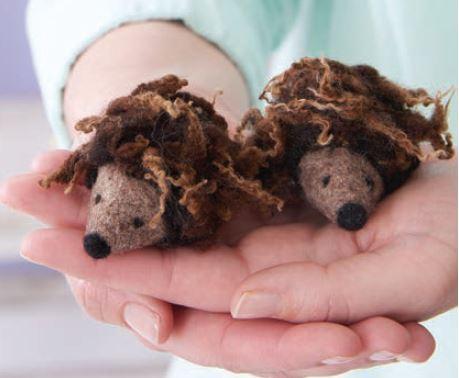 needlefelted-hedgehogs
