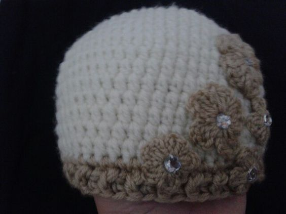 Easy and jeweled crochet hat.