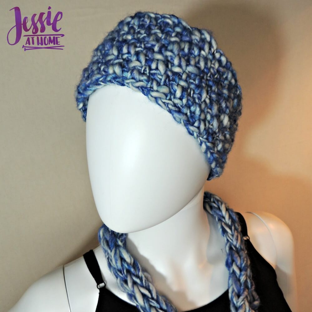 This chunky crochet headband is perfect for cold winter days.