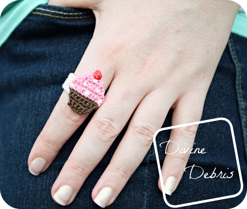 Crochet jewelry is run, and this crochet ring is a fun way to add a little pizazz to your wardrobe.