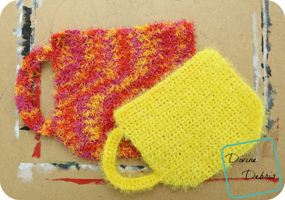 This coffee cup crochet wascloth is so cute. Itw ould make the perfect crochet hotpad too.