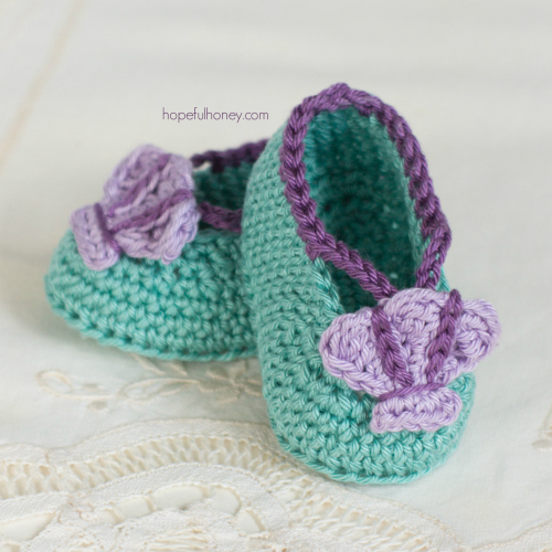 These free baby crochet booties are perfect for little ones.