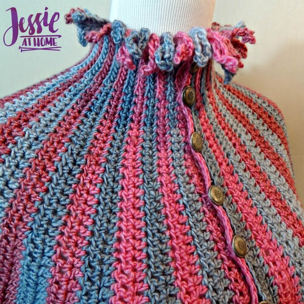 This crochet capelette is beautiful and a simple crochet pattern.