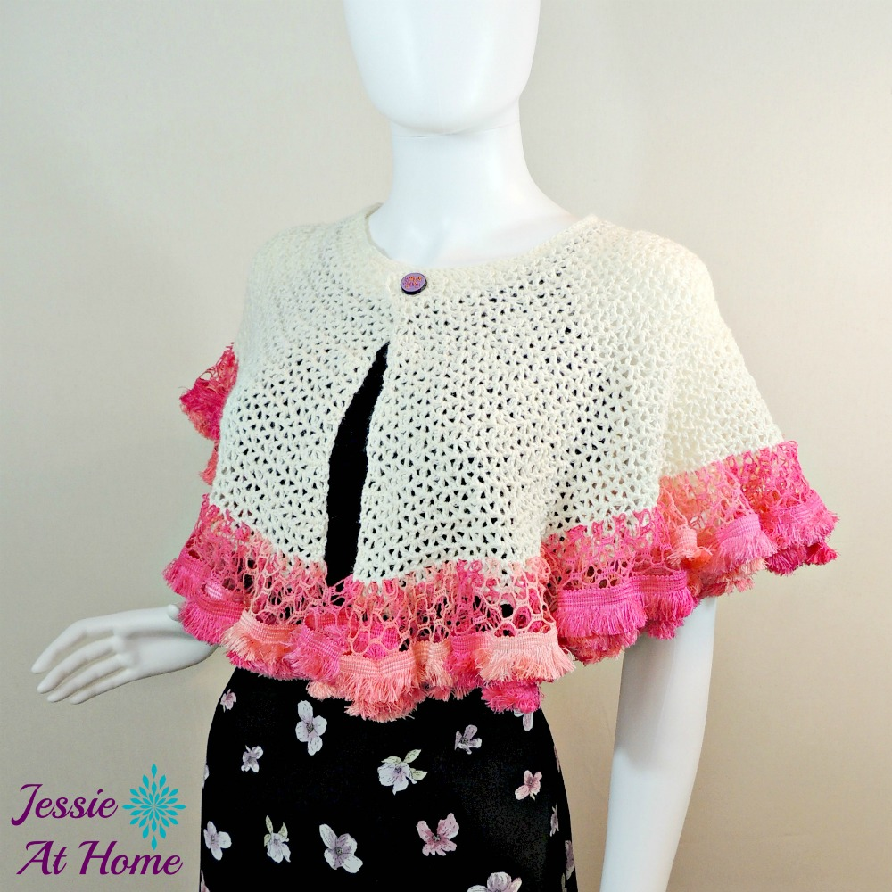 This crochet capelet has a really fun edging.