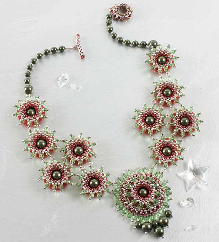 Learn how to make crystal jewelery with this off-loom crystal necklace design.