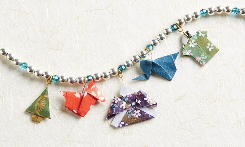 origami paper charm bracelet from Origami Jewelry