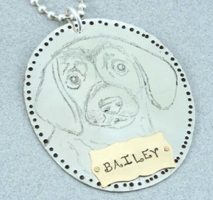 Learn how to make pet jewelry for dogs in this FREE jewelry-making eBook.