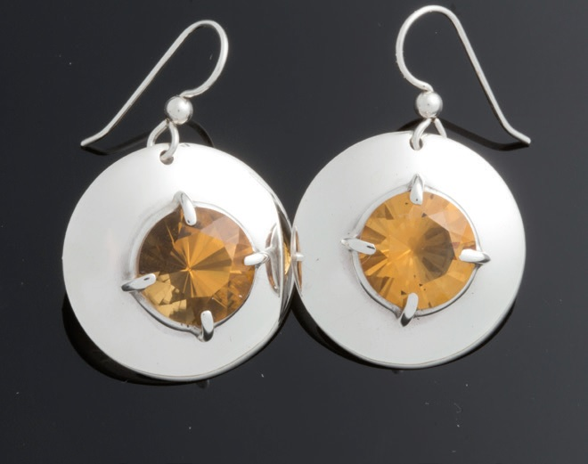 prong setting gemstones in earrings by Sam Patania, from Lapidary Journal Jewelry Artist magazine Jan/Feb 2018