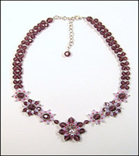 Jean Campbell's Fiori Necklace pattern includes an extender chain.