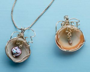 Learn how to turn a shell into a necklace in this FREE ebook on DIY recycled jewelry making projects.