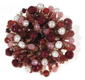 Learn how to make brooches with beads like this retro brooch beading project.