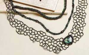 You'll love this reversible beaded necklace using cabochon settings in this free beading project.