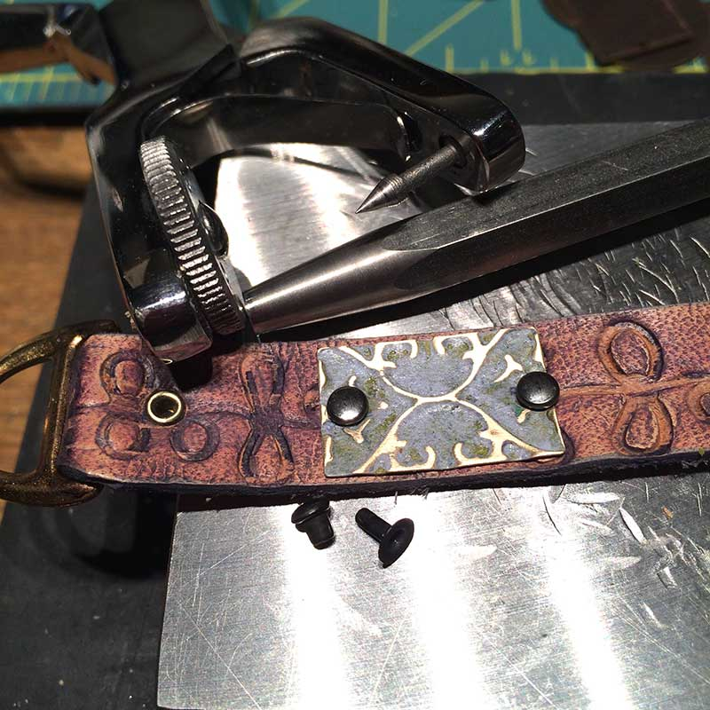 Free leather jewelry making-project by Tammy Honaman. Learn to emboss and patina leather and metal.