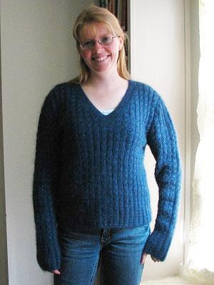 Toni Sweater Girl