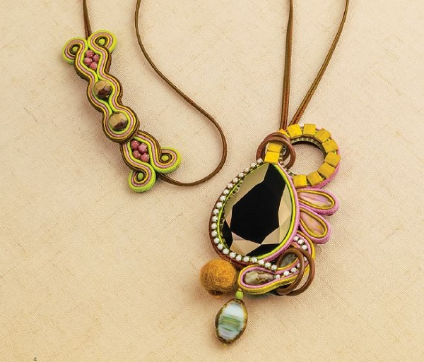 learn how to make affordable, lightweigt, colorful jewelry for summer, like this Palma Pendant by Csilla Papp