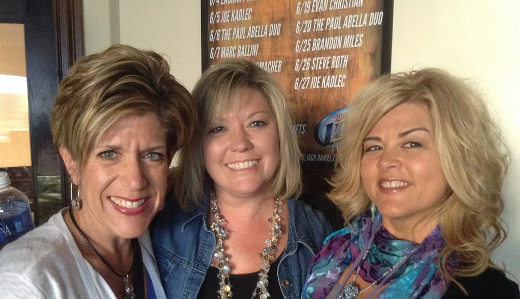 l to r: Tammy Honaman, June Beach, Julianna Avelar, inventor of the Jewel Loom