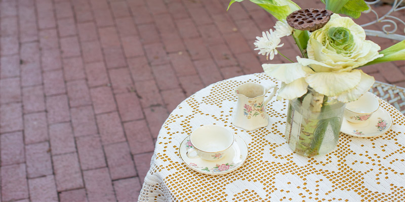 POW: Garden Party Table Topper