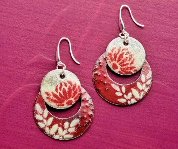 using stencils in enamel jewelry making