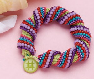 Learn how to make a tubular beaded bracelet in this FREE peyote stitch beading eBook.