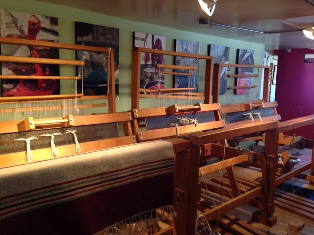 walking-weaving-looms
