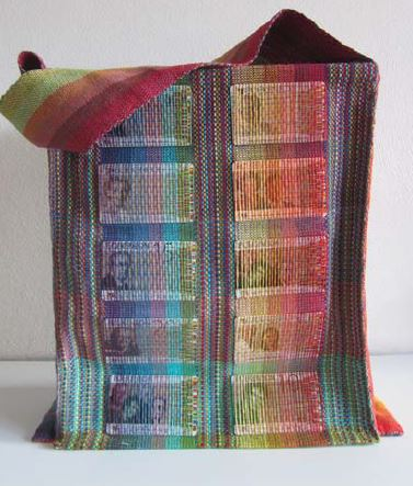 woven-handbag-two-shuttles
